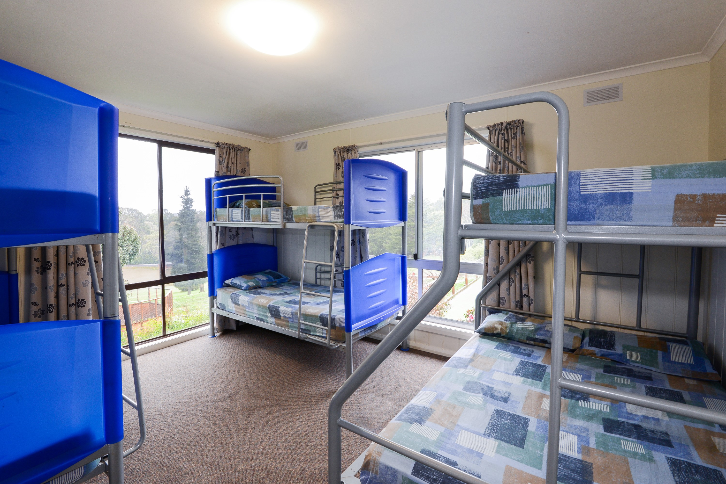 Accommodation Adanac Cyc
